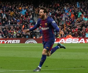 ميسي يقود برشلونة لتخطي أتلتيكو مدريد والتحليق في قمة الدوري الإسباني (فيديو)