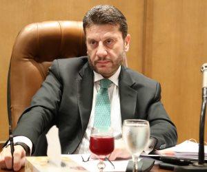 عمرو المنير يقدم استقالته من منصب نائب وزير المالية لرئيس الورزاء