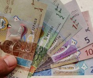 ضبط مصرفى وطالب متلبسين بحوزتهما 3 ملايين جنيه عراقي بالسوق السوداء