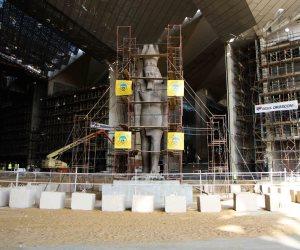 30 صورة ترصد عملية نقل عمود مرنبتاح الأثري إلى المتحف الكبير (صور)