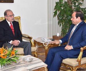 الرئيس يجتمع برئيس الوزراء ووزيرة التخطيط.. ويوجه بسرعة انتقال الحكومة للعاصمة الجديدة
