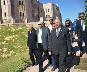 وزير الرى يزور السد العالى يتفقد مشروع تغطية مصرف السيل.. ويطالب المواطنين من أسوان بالحفاظ على نقطة المياه (صور)