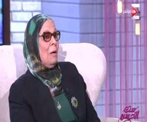 """آمنة نصير لـ """"ست الحسن"""": المصريون مدمنين هجرة على الفاضي والمليان"""