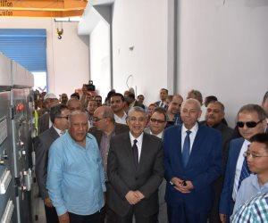 وزير الكهرباء يدشن المرحلة الأولى لأكبر مشروع للطاقة الشمسية (صور)