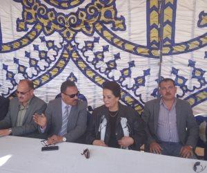 محافظ البحيرة تتفقد أعمال تنفيذ أول بورصة سلعية فى مصر (صور)