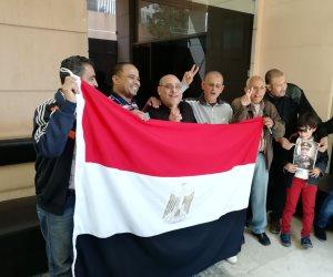 المصريون يواصلون الإدلاء بأصواتهم في العاصمة اللبنانية بيروت (صور)