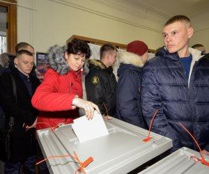رائد فضاء روسي يدلي بصوته في الانتخابات من خارج الكرة الأرضية