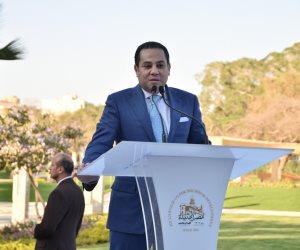 وزير قطاع الأعمال العام يهنئ الرئيس السيسى لفوزه بفترة رئاسية ثانية