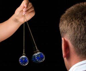 س& ج ما هو علاج التنويم المغناطيسي وكيفية تطبيقه