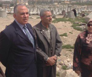 وزير الري فى جولة تفقدية لمشروعات حماية سواحل الإسكندرية