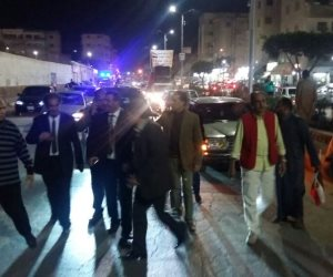 """مسيرتان بالسيارات والأقدام لدعم الرئيس في كفر الشيخ .. ومُسنّة ترقص على أنغام"""" قالوا إيه """"  (صور )"""