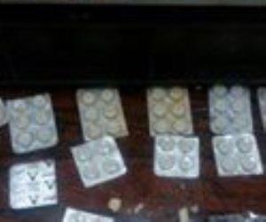 «حشيش بالجبنة».. ضبط راكب حاول تهريب مخدرات داخل «برطمان مش» بمطار القاهرة (صور)