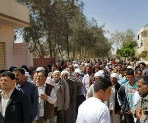 مأمور قسم الزيتون يطمئن على تأمين لجان انتخابات الرئاسة