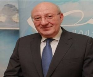 سفير مصر بالرياض يزور المواطنين المصابين في الهجوم الصاروخي على السعودية