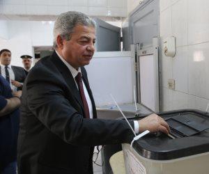 «التصويت قبل التشجيع».. وزير الشباب يدعو المصريين للمشاركة فى الانتخابات الرئاسية (صورة)