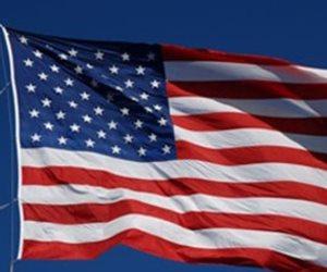 إنزال العلم الأمريكي من على مبنى القنصلية بسانت بطرسبورج.. ومغادرة الموظفين