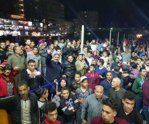 الفنان محمود الليثي ينضم لمحتفلين عابدين بفقرات غنائية احتفالا بفوز الرئيس ( فيديو )