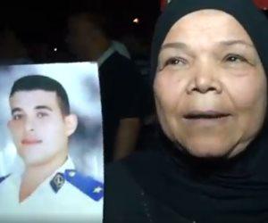 والدة الشهيد ضياء فتحي لـ«السيسي»: أكمل مسيرة التصدي للإرهاب (فيديو)