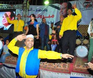 على أنغام السمسمية.. محافظ الإسماعيلية يشارك المواطنين الاحتفال بفوز الرئيس (صور)