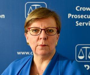 رئيسة الإدعاء العام في بريطانيا تنهي الجدل حول أدائها وتترك منصبها