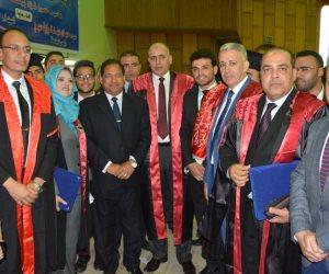 محافظ الغربية يشارك في حفل تخريج الدفعة 33 من كلية الحقوق جامعة طنطا (صور)