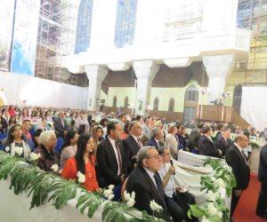 نقيب المهندسين وآمنة نصير أول المهنئين بعيد القيامة في الكاتدرائية