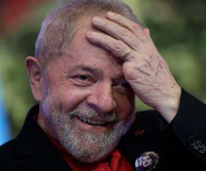 سيلفا يعلن ترشحه للرئاسة من خلف القضبان: البرازيليون يتمسكون بصانع المعجزة
