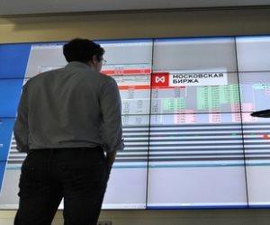 العقوبات الأمريكية تهبط بمؤشرات الأسهم الروسية بنسبة 10%