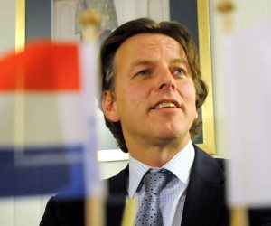 وزير الخارجية الهولندي يطالب مجلس الأمن بالعمل لوقف إطلاق النار في سوريا
