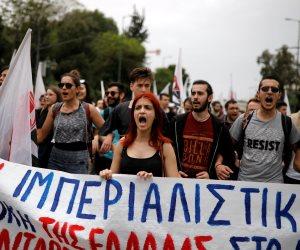 مظاهرات حاشدة في اليونان احتجاجا على الضربة الثلاثية ضد سوريا (صور)