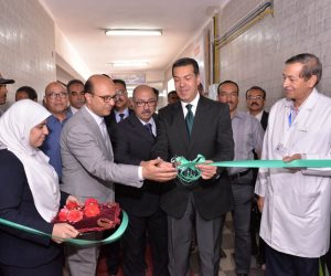 محافظ أسيوط يفتتح وحدة الحروق والعناية المركزة بإصابات مستشفى الإيمان العام (صور)