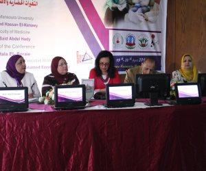 جامعة المنصورة تناقش 8 ورش عمل عن الاضرابات النفسية للمراهقين  (صور)