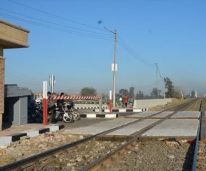 السكة الحديد: عربة كارو اقتحمت شريط السكة على خط مرسى مطروح من مكان غير معد للعبور