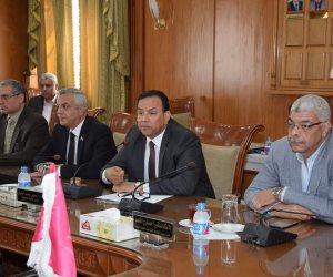 رئيس جامعة المنوفية يجتمع بمجلس العمداء.. ويدعوهم للمشاركة في احتفالات عيد تحرير سيناء