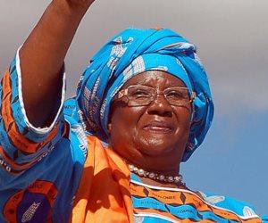 السبت.. رئيسة مالاوي السابقة المشتبه في تورطها بقضية فساد تعود للبلاد