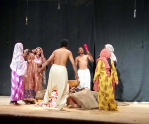 لليوم الرابع.. استمرار فعاليات المهرجان المسرحى لشباب الجنوب في أسوان (صور)