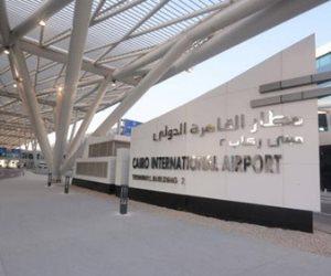 ضبط راكب بمطار القاهرة حاول تهريب 260 ألف جنيه أثناء سفره إلى دبي