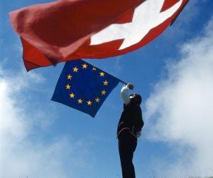 تظاهرات وانفصال وعجز بالميزانية.. هل تنجح أوروبا في تجاوز أزماتها الإجتماعية والاقتصادية؟