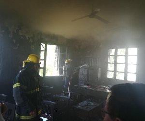 السيطرة على حريق نشب في إدارة ري طلخا بالدقهلية (صور)