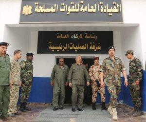 حفتر يزور القوات الليبية لمتابعة الاستعدادات النهائية لتحرير درنة (صور)