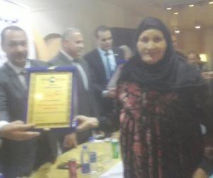 حزب مستقبل وطن ببنى سويف يكرم 100 موظفا وعاملا وأمهات شهداء (صور)