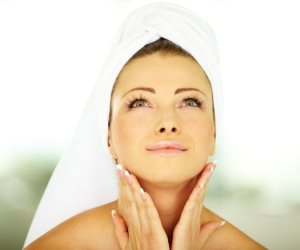 بشرتك قد تتأثر.. تعرف على تأثير الضغوط النفسية والقلق على صحة جلدك