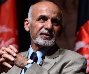 الرئيس الأفغانى يدشن بطاقات هوية جديدة وسط خلاف عرقي