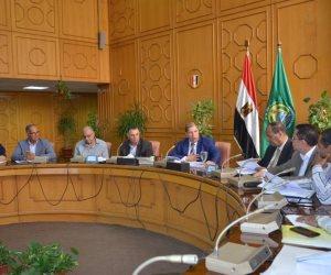 محافظ الإسماعيلية: إعادة النظر فى موقف المشروعات الجديدة بالمنطقة الصناعية