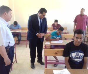 وكيل تعليم جنوب سيناء يتفقد لجان امتحانات النقل بمدارس رأس سدر والطور  (صور)