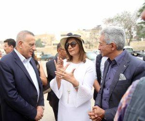 «العودة للجذور».. وزارة الهجرة تنظم زيارة للوفد القبرصي واليوناني للأهرامات (صور)