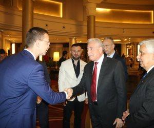 محافظ جنوب سيناء ووفد من الصحة يبحثان التعاون في «السياحة العلاجية» مع المجر