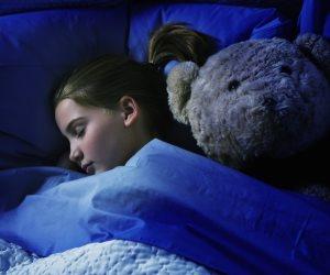 هل يعاني طفلك من التوحد؟.. هذه قد تكون الأسباب لاضطراب نومه