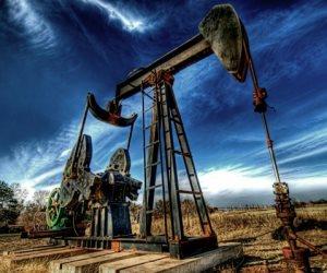 أسعار النفط ترتفع وبرنت يقترب من 80 دولارا بفعل مخاوف الإمدادات