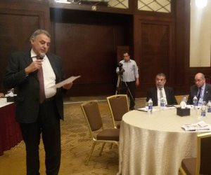 وزارة الري تناقش كيفية استخدام الطاقة المتجددة في ضخ مياه الري